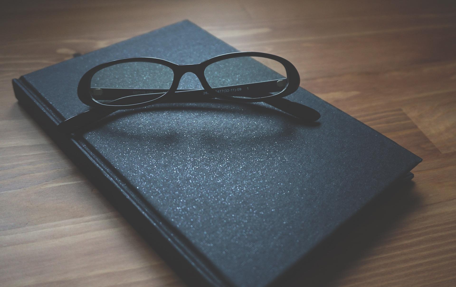 Glasses 1280549 1920